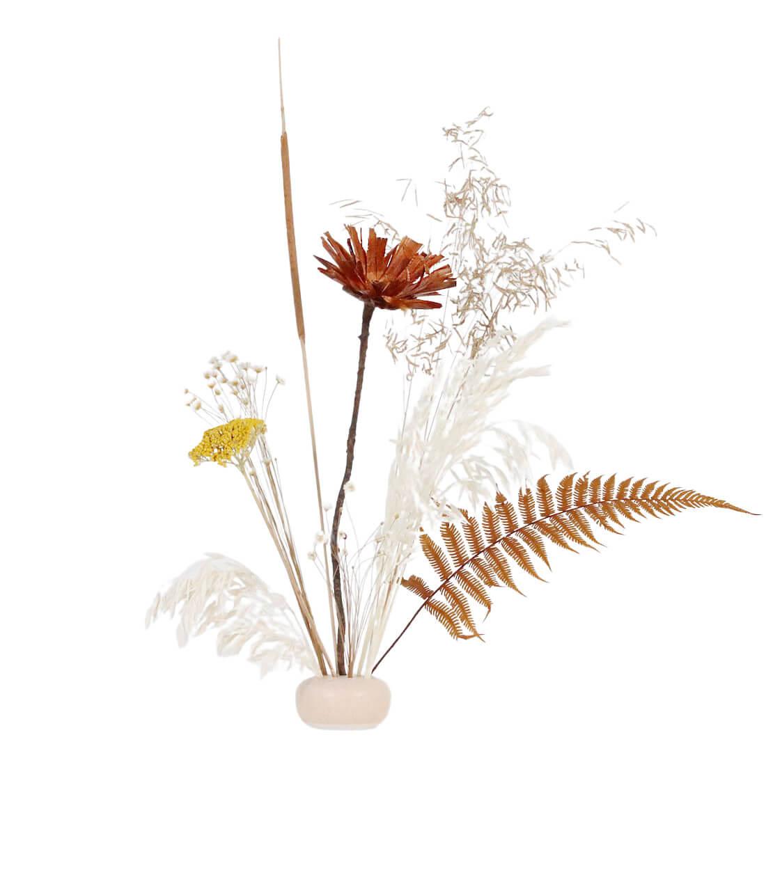 Suna Ikebana Kit preserved and dried flower bouquet by Shida Preserved Flowers